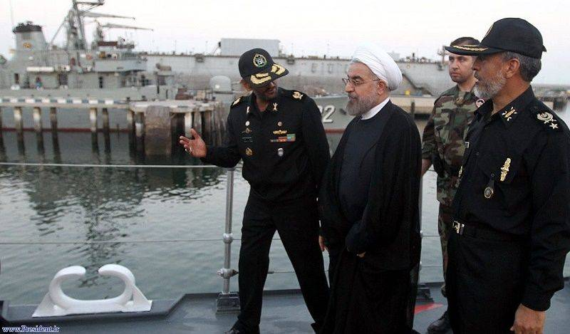 Photo of Naval parade in Oman Gulf before President Rouhani