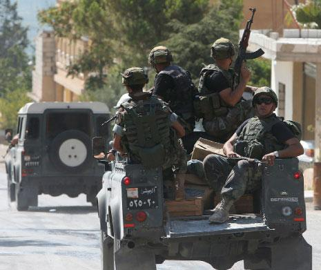 Photo of Lebanese Army Arrests 4 Syrians on Suspicion of Belonging to Terrorist Group