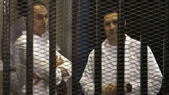 Photo of Mubarak's two sons freed from prison