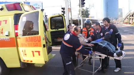 Photo of New Heroic Palestinian Operation: 16 Zionist Israelis Stabbed in Tel Aviv
