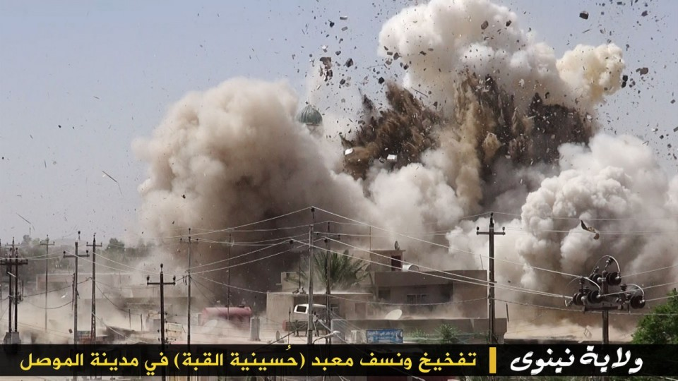 Photo of Terrorist israel puppet ISIL Demolishes Mosques in Mosul, Threatens to Behead Worshippers