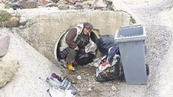 Photo of 55 year old woman maintains her life in irrigation channel in Izmir, Turkey