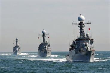 Photo of Iran Starts 'Great Prophet – 9' Drills in Persian Gulf