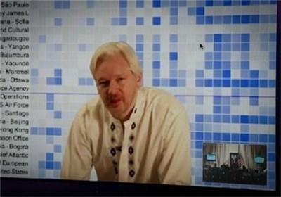 Photo of Swedish Prosecutors Agree to Interrogate Assange in London