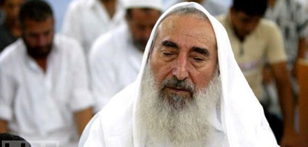 Photo of Hamas carves memorial statue for Sheikh Ahmed Yassin
