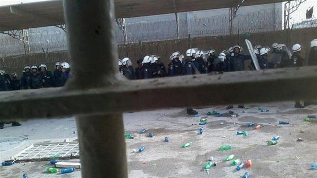 Photo of Scores injured in Bahraini police attack on prisoners