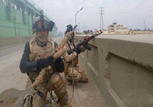 Photo of Iraqi Army trapped 43 terrorists in Baiji, killed all of them, and destroyed their 10 vehicles