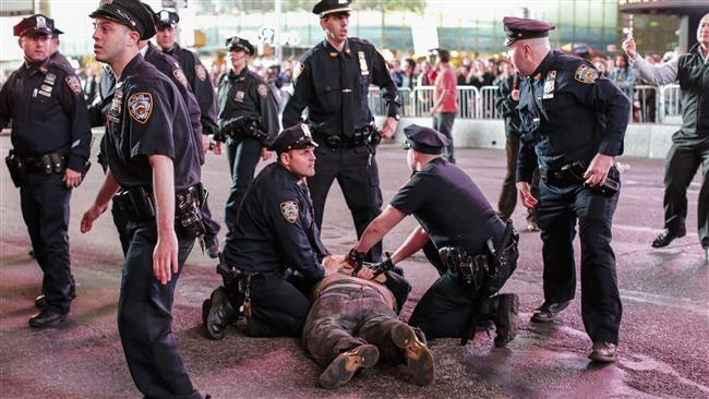 Photo of Welcome to US Democracy- At least 100 people arrested in New York City during protests against Gray's death