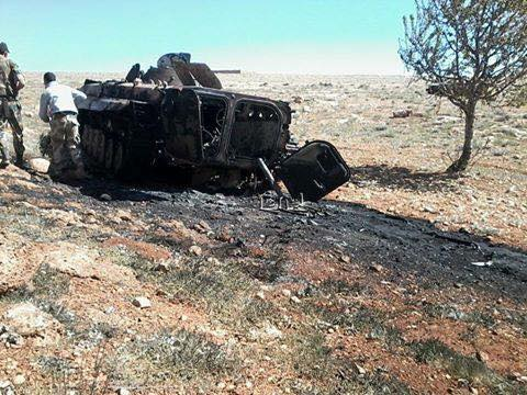 Photo of Victorious Syrian Army blow up 2 tanks, 3 armored vehicles inside ISIL terrorists trying to attack military checkpoint in Deirazzour