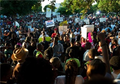 Photo of US Protesters Seek Firing of Texas Officer Throwing Black Girl to Ground