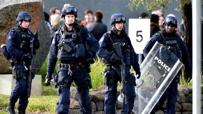 Photo of Hundreds of prisoners riot in Australia prison, staff evacuated
