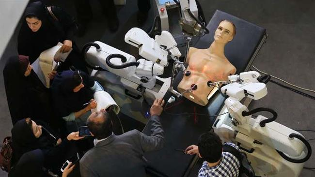 Photo of Iranian scientists unveil domestically made surgery robot