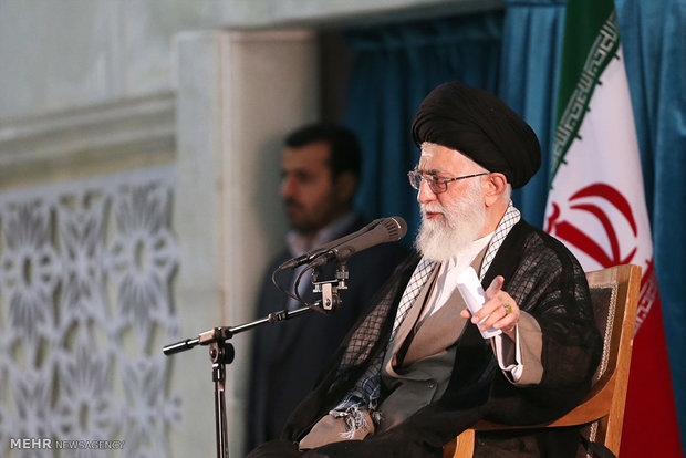 Photo of Leader of Islamic Ummah and Oppressed Imam Khamenei Calls on Muslims Not to Fall Victims to Enemy Plots