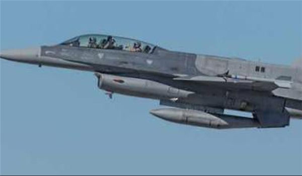 Photo of Iraqi Warplanes Raid ISIL Positions West of Ramadi