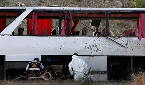 Photo of Iranian Passenger Bus Comes Under PKK Terrorist Attack in Turkey