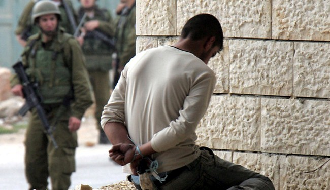 Palestinian Prisoners in Zionists' Jails Go on Hunger Strike