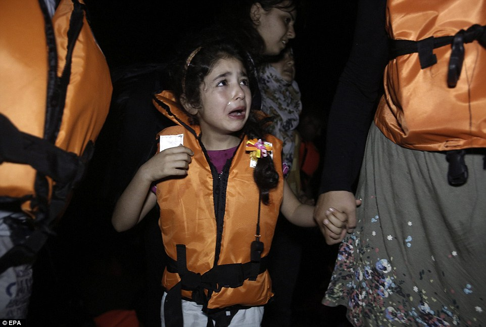 Photo of PHOTOS of Migrant Syrian's Tragedy: Misery of Syrian Child-Women Migrant in Macedonia-Greece Border