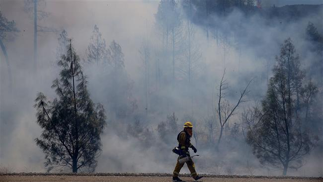 Photo of California evacuees are allowed to return to homes as wildfire nearly contained