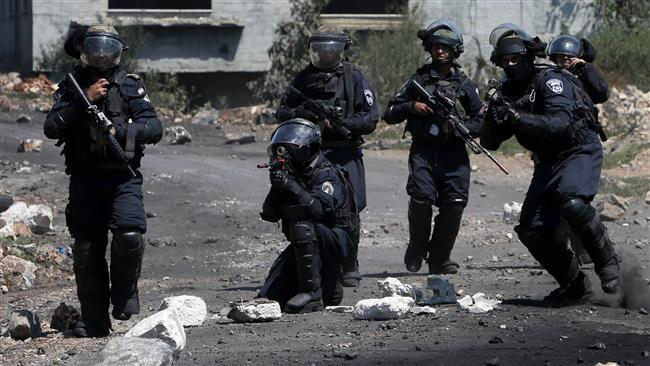 Photo of At least 5 Palestinians injured in rabid dog Israeli raid on West Bank