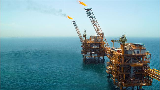 Photo of Iran drops oil price to grab market share