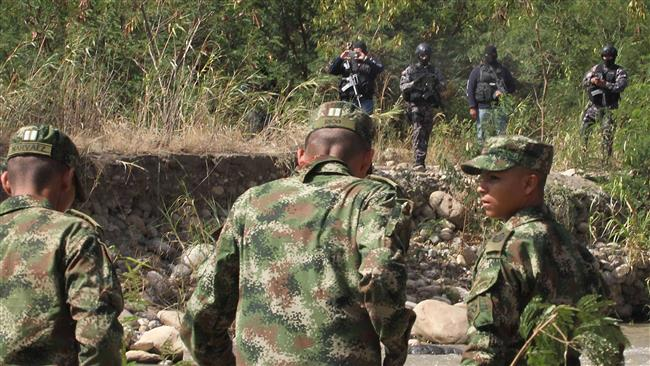 Photo of Venezuela boosts military presence at border with Colombia