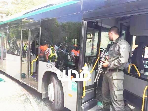 Photo of New Stabbing Operation in al-Quds Injures Inhuman israeli Settler