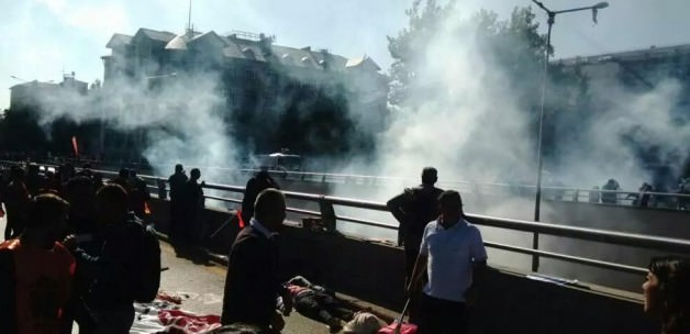 Photo of Photos- 2 Explosions rock the demonstrators' gathering square in Turkey capital, 86 Killed and 186 injured