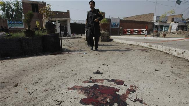 Photo of Bombs hits MP's house in central Pakistan, kills seven