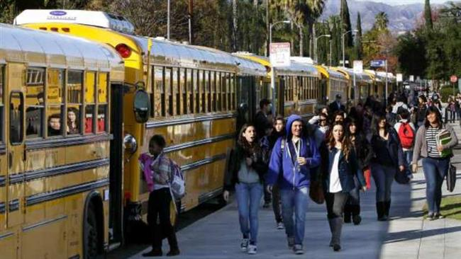 Photo of Los Angeles schools closed over threat