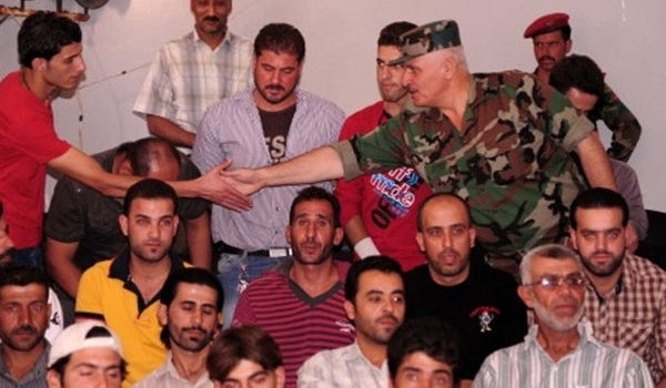 Photo of More Militants Surrender in Syria's Damascus