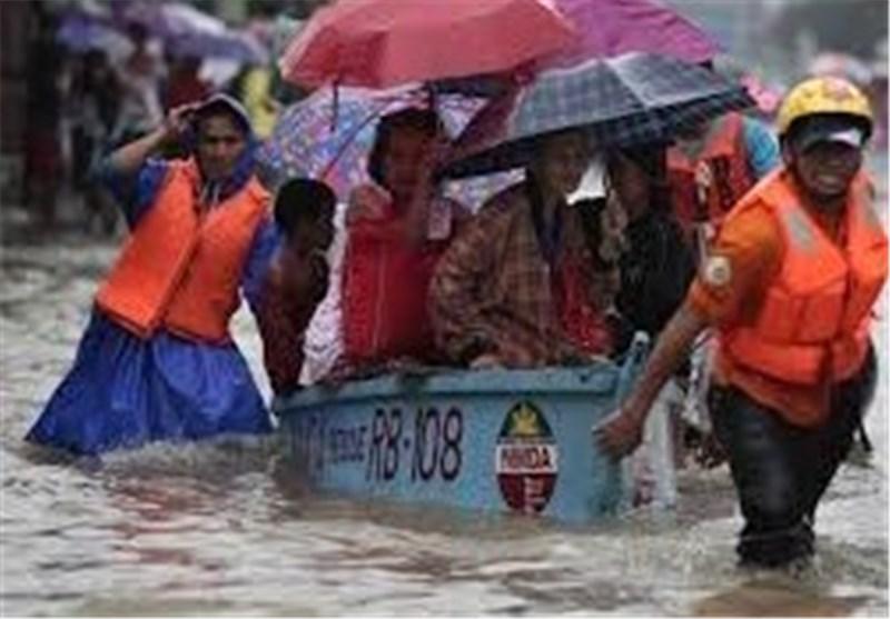 Photo of 725,000 People Evacuated as Typhoon Slams Into Philippines