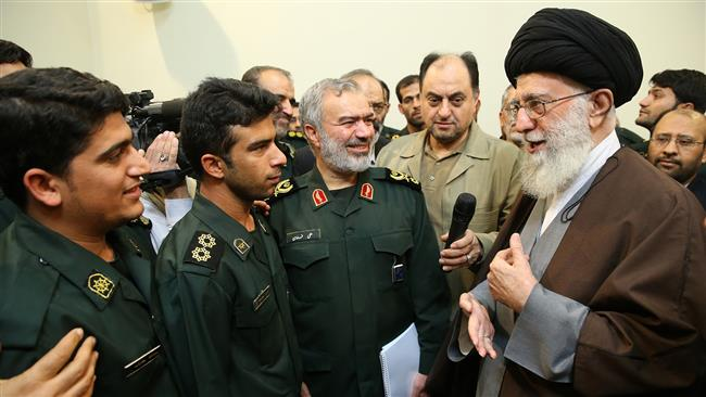 Photo of Leader of Ummah Imam Khamenei hails IRGC's arrest of trespassing US sailors