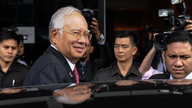 Photo of Saudi royals gave Malaysian PM $68m as gift: Court