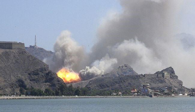 الجيش اليمني يقصف مركز قيادة العدوان في باب المندب