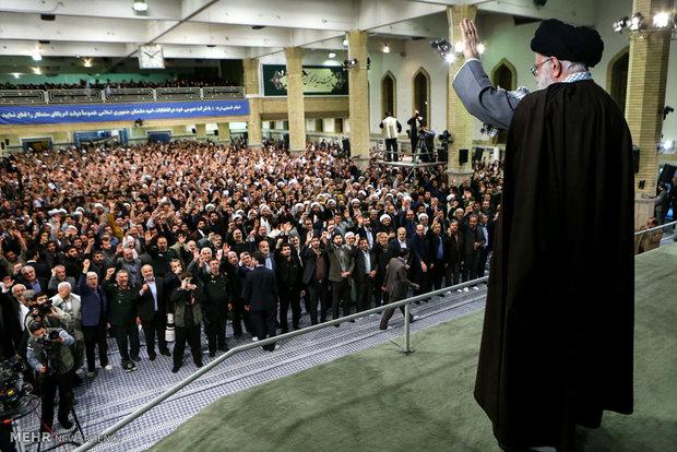 Photo of Photos- Leader of Islamic Ummah Imam Khamenei receives people of Najafabad