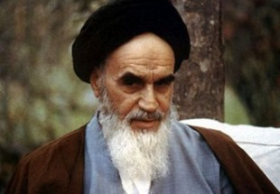 Photo of Late Imam Khomeini, incredibly important character