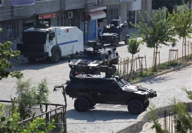 Photo of Curfew Declared in Southeast Turkey Town as Fresh Clashes Erupt