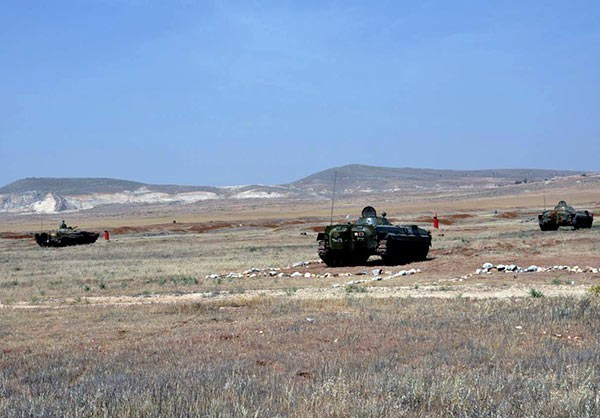 Photo of Syrian Soldiers Conduct Counter-Terrorism Military Drills