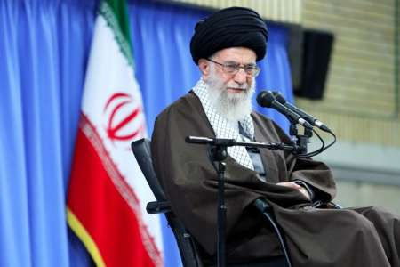 Photo of Supreme Leader: Teachers responsible for bringing up independent, noble generations with religious beliefs