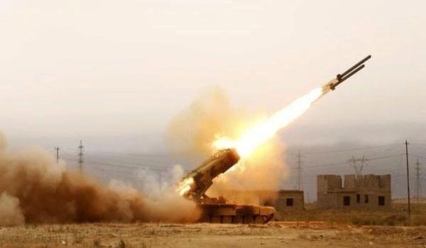 Photo of Yemen's Missiles Hit Saudi Military Base in Ma'rib Province
