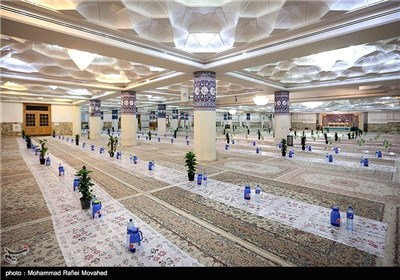 Photo of Fasters Attend Iftar Ceremony at Hazrat Masoumeh's Holy Shrine
