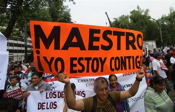 Photo of Thousands march in Mexico to protest education reforms