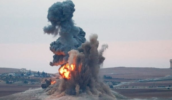 Photo of Iraqis' Massive Airstrikes in Mosul Destroys ISIL's Secret Tunnel, Vehicles