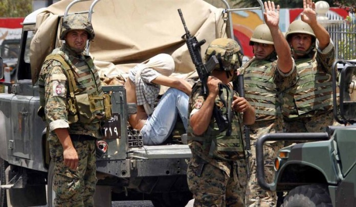 Photo of Lebanese Army arrests several Syrian refugees suspected of terrorist links