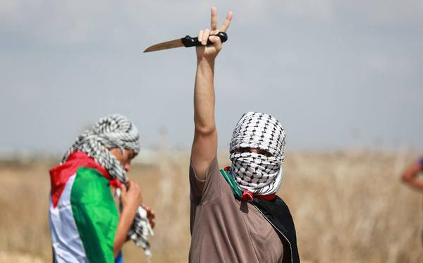 Photo of Palestinian Hero stabs two Israeli soldiers, sustains bullet wounds