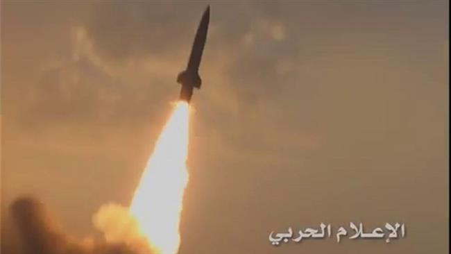 Photo of Yemenis launch retaliatory missile attack on Saudi base in Najran