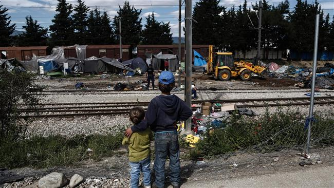 Photo of 96k lone minors sought EU asylum in 2015