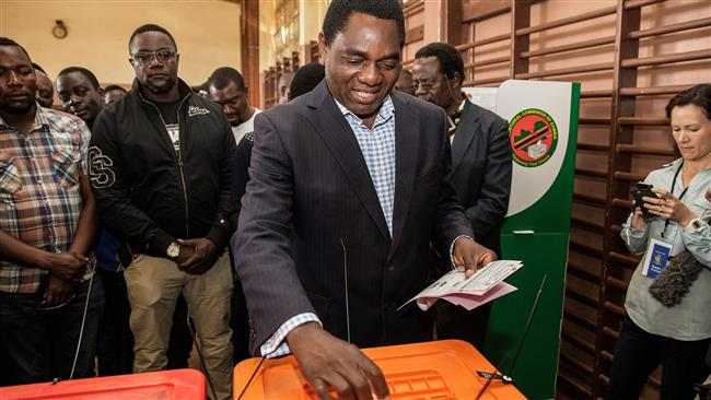 Photo of Zambia's opposition candidate leads in presidential vote