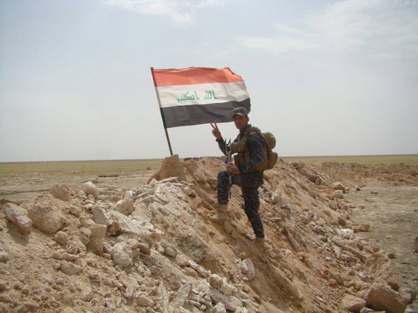 Photo of Iraqi Army scores major victory against ISIS at the Syrian border