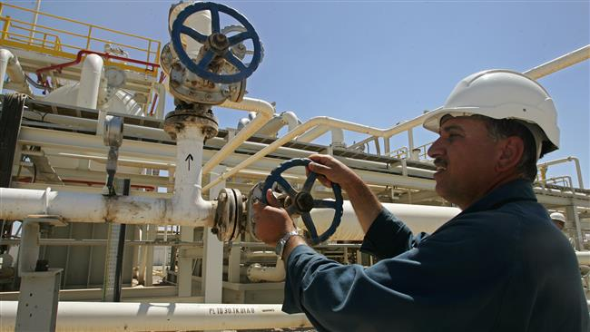 Photo of Iraq mulls selling oil through Iran: Report